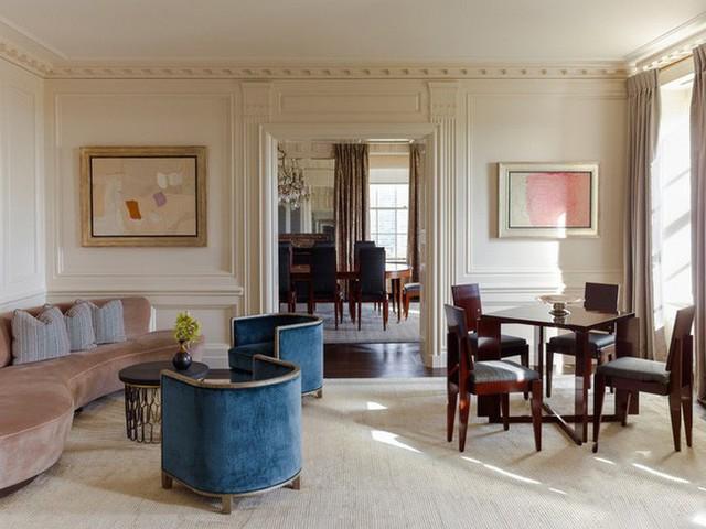 Bạn có thấy rằng kiểu ghế sofa cong mang đến không gian sinh hoạt thêm những đường nét mềm mại và tinh tế hơn nhiều không?
