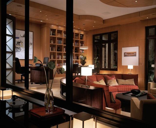 Kiểu ghế sofa cong đặc biệt thích hợp dùng bên trong không gian phòng khách gia đình.