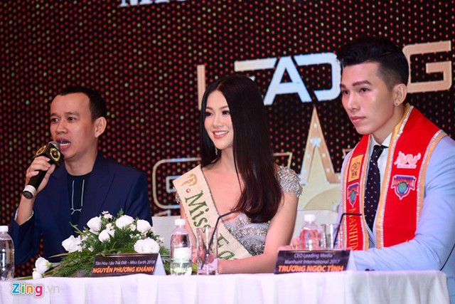 Phuc Nguyen, Miss Phuong Khanh at a press conference when she returned home.
