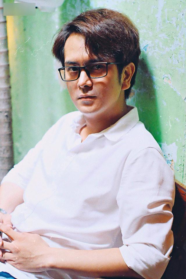 Sau những thăng trầm trong chuyện tình cảm, Hùng Thuận thừa nhận mình giờ đây sống chật vật vì không được mời phim.