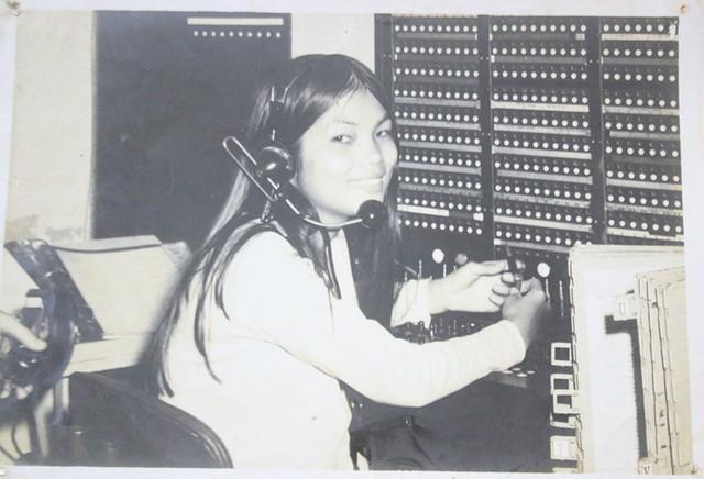 Năm 1968, bà Đẹp làm tạp vụ cho căn cứ quân sự Mỹ ở Long Bình, Đồng Nai. Nhờ khả năng nói tiếng Anh lưu loát, một thời gian sau, bà được chuyển lên làm tổng đài viên.