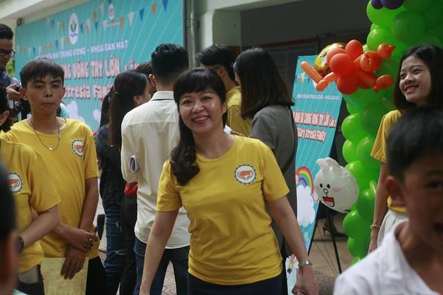 TS.BS. Nguyễn Phạm Anh Hoa, Trưởng Khoa Gan mật Bệnh viện Nhi Trung ương chia sẻ về căn bệnh hiếm - teo mật bẩm sinh. Ảnh: Cao Tuân