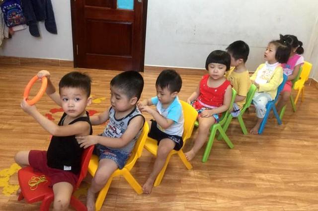 Hiện tại, số lượng trẻ đưa đến trung tâm can thiệp và học bán trú quá tải. Ảnh: N.T