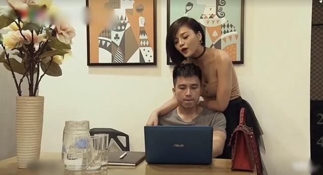 """Mạnh Quân đóng cặp ăn ý với Thu Quỳnh trong phim """"Quỳnh búp bê""""."""