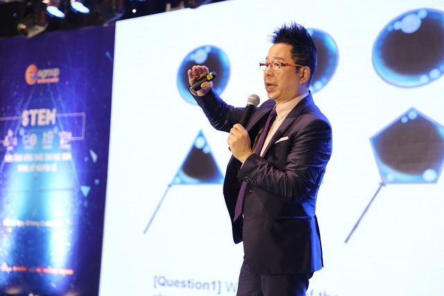 Trong phần thuyết trình, Ông Lee Chung Koog cũng minh họa các ví dụ về phương pháp giáo dục tích hợp cho các thay đổi mô hình giáo dục chuyển đổi STEM.