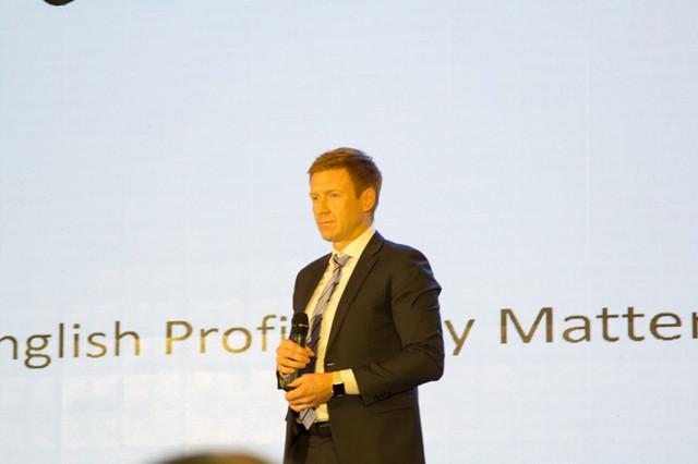 Ông Travis Stewart Phó tổng giám đốc phụ trách học thuật Tập Đoàn Egroup.