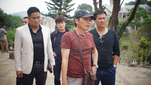 Đạo diễn Mai Hồng Phong (đội mũ) đã mang đến sự thay đổi cho đề tài về gái mại dâm