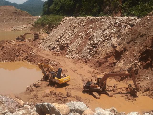 Khai trường khai thác mỏ Công ty khoáng sản Thăng Long. (ảnh: TG)