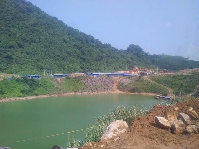 Khai trường khai thác mỏ của Công ty Khoáng sản Thăng Long. (ảnh: TG)
