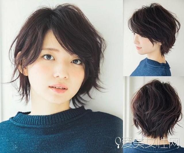 Với kiểu tóc bob tém, mái xéo dài, cô nàng này trông cực kỳ thu hút, trẻ trung. Với màu nâu trầm, làn da cũng trở nên sáng mịn hơn