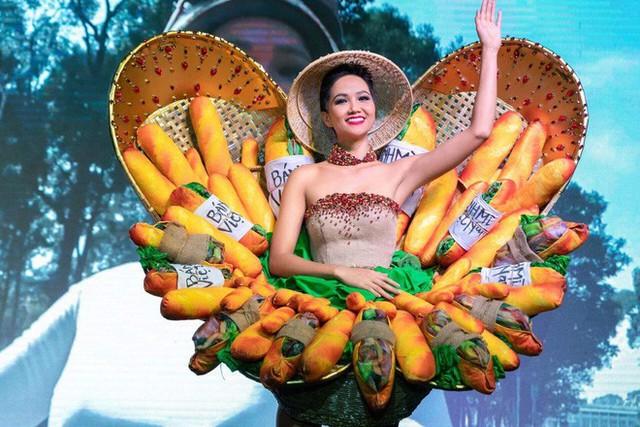 Thời điểm HHen Niê chọn trang phục bánh mì để dự thi Miss Universe cũng không được lòng dư luận