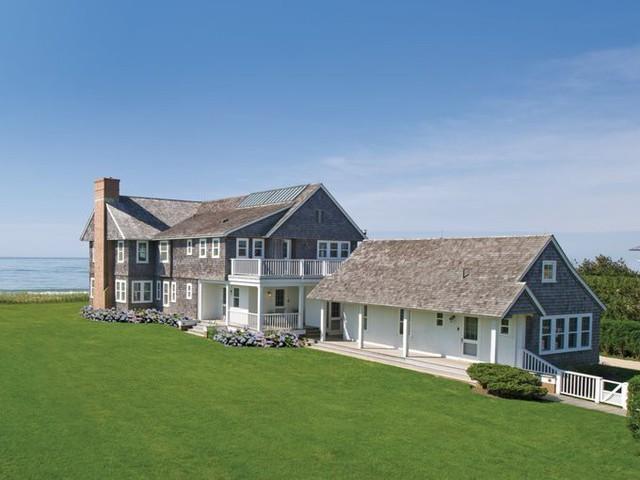 Ca sĩ Billy Joel từng sống trong căn biệt thự này, nhưng đã bán nó năm 2014 với giá 19 triệu USD.