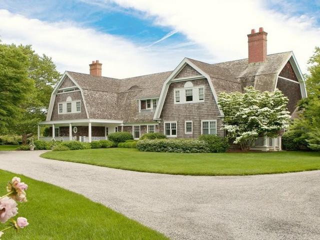 CEO Goldman Sachs - Lloyd Blankfein từng sở hữu căn nhà này. Năm 2016, ông đã bán nó với giá 13 triệu USD.