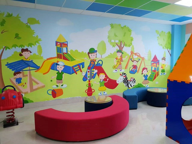 Trung tâm có các khu vui chơi cho trẻ em