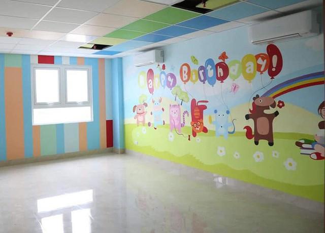Trong thời gian xây dựng, Trung tâm Sản nhi được sự hỗ trợ trực tiếp của Bệnh viện Phụ sản Trung ương, Bệnh viện Nhi Trung ương, từ việc tư vấn thiết kế, sắp xếp khoa phòng của Trung tâm,
