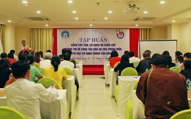 Chương trình Tập huấn thông tin về công tác dân số cho các cơ quan báo chí tại Đà Nẵng thu hút sự quan tâm của rất nhiều đơn vị.