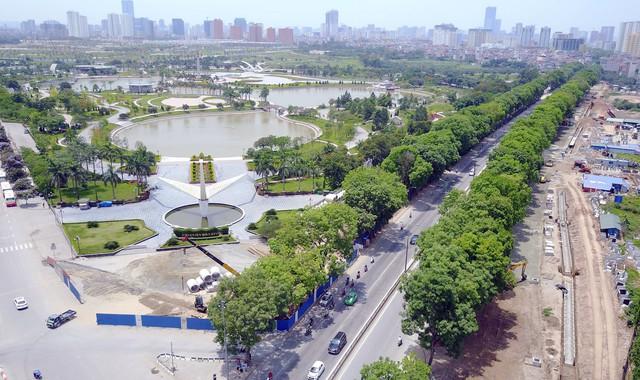 Công viên Hòa Bình, một trong 5 địa điểm có biểu hiện mại dâm ở Hà Nội. Ảnh: Mộc Trà