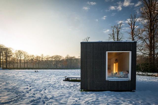 Một thiết kế nhà cabin di động được đặt tại Bỉ trong thời tiết khắc nhiệt tới đóng băng.