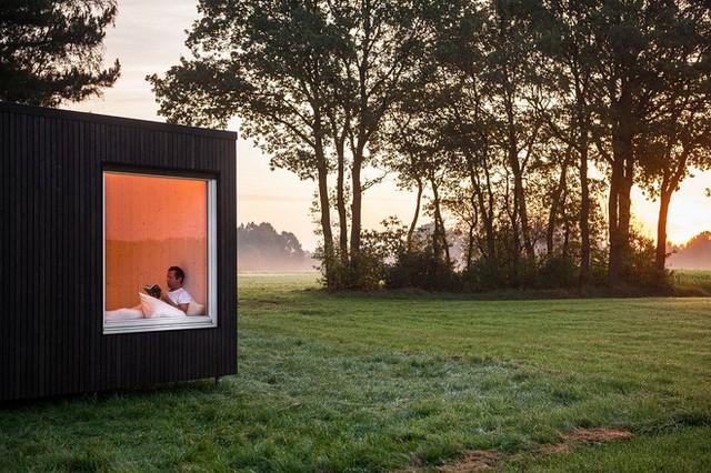 Tận hưởng sự yên tĩnh từ thiên nhiên nhờ có ngôi nhà di động bằng cabin này.