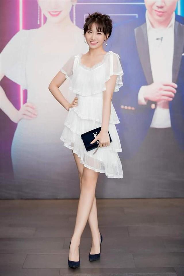 Bà xã Trấn Thành không ngại khi đầu tư khá nhiều vào các chiếc túi đến từ các thương hiệu như, Dior, Chanel, Prada… gì cô cũng đủ cả.