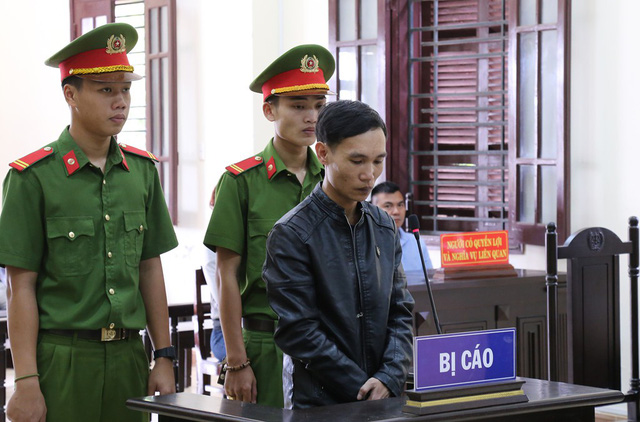 Nguyễn Mạnh Hùng bị HĐXX tuyên mức án chung thân vào sáng 31/10. Ảnh: Văn Được.