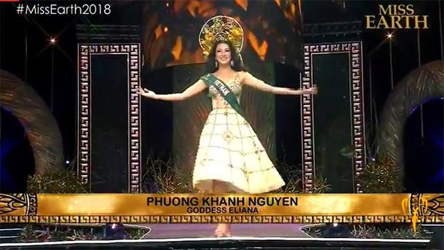 Màn giới thiệu của đại diện Việt Nam, Nguyễn Phương Khánh.