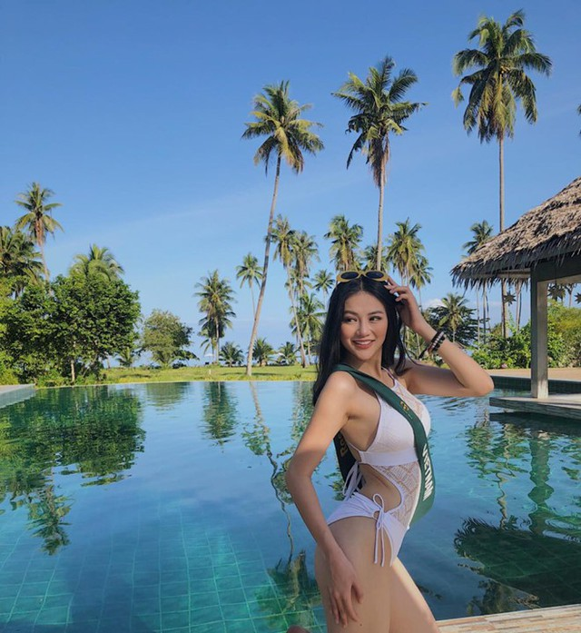 Chính nhờ vóc dáng nóng bỏng này mà Phương Khánh đã giành huy chương bạc nhóm vòng thi bikini tại cuộc thi Hoa hậu Trái đất 2018.