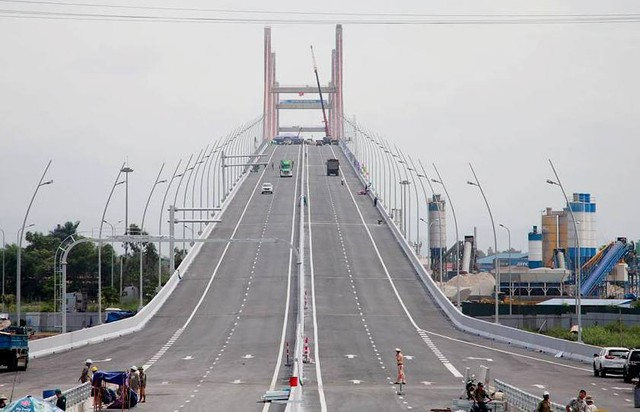 Bộ trưởng Bộ GTVT ra văn bản đề nghị tỉnh Quảng Ninh và các đơn vị liên quan kiểm tra xử lý thông tin về chất lượng thi công cầu Bạch Đằng. Ảnh: K.M