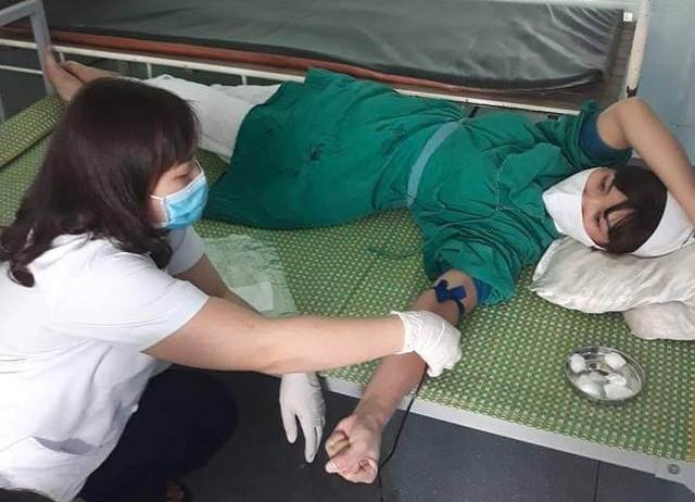 Trong tổng số 9 đơn vị máu, có đến 5 đơn vị của Trung tâm hiến tặng. Ảnh: Nguyễn Thị Tuyến