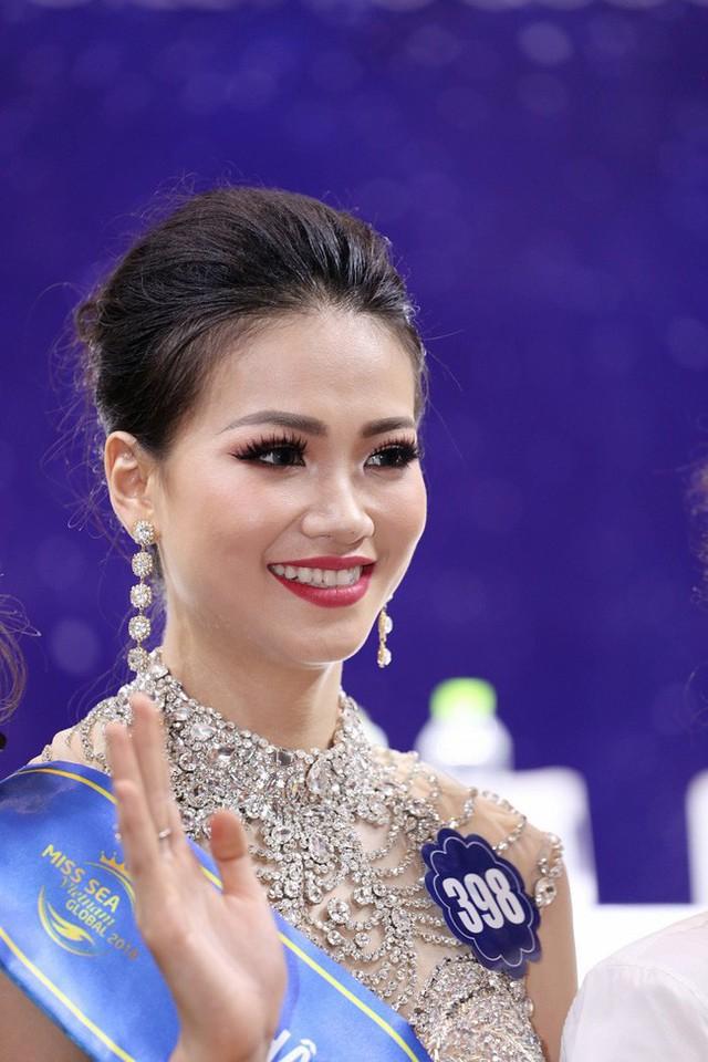 Khi thi Hoa hậu Biển Toàn cầu, Phương Khánh mang vẻ đẹp thuần Việt