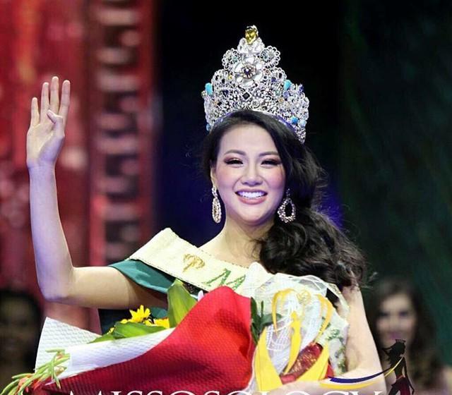 Nguyễn Phương Khánh đăng quang Hoa hậu Trái đất 2018 vào tối 3/11.