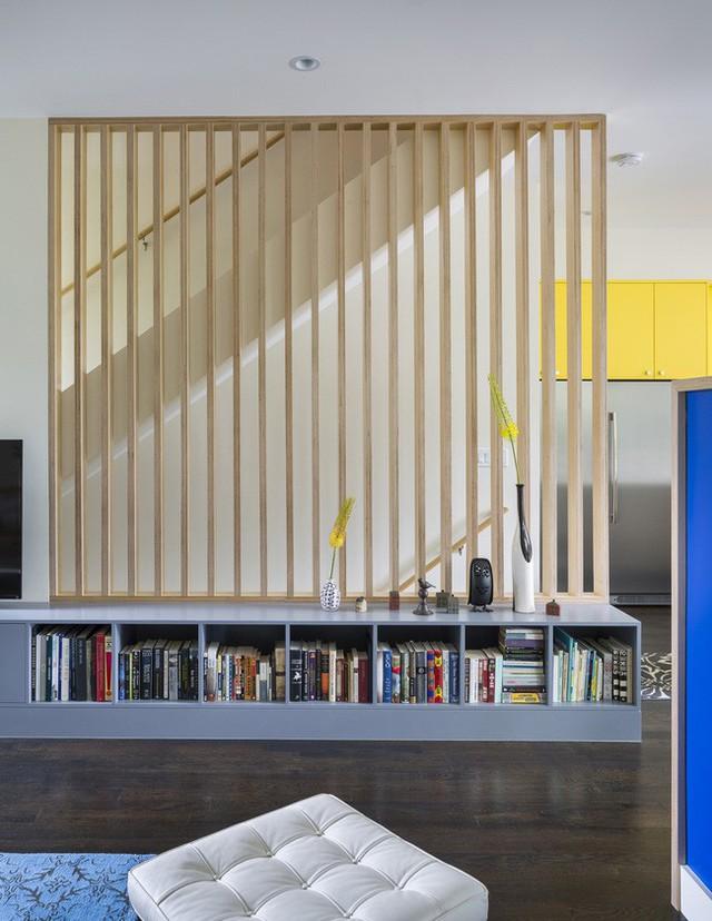 Thay vì tường, các không gian được phân chia bằng vách ngăn thoáng.