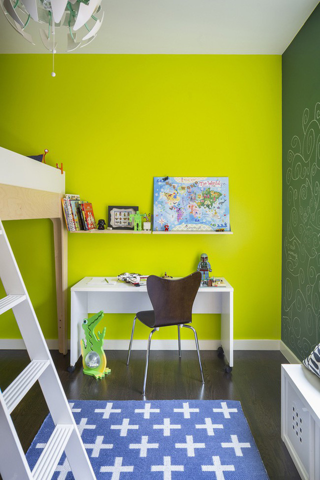 Một phòng ngủ cho trẻ đầy táo bạo với tone màu xanh nõn chuối.