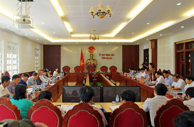 Đoàn công tác của Bộ Y tế đã có buổi làm việc với lãnh đạo tỉnh Gia Lai về kiểm tra tình hình thực hiện Chương trình mục tiêu Y tế- Dân số giai đoạn 2016-2020. Ảnh: Kim Oanh