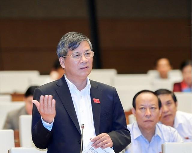 Đại biểu Nguyễn Anh Trí cho rằng việc 1.000 cán bộ Bộ Y tế phải thuê đường vào cơ quan suốt 5 năm là không thể chấp nhận được.