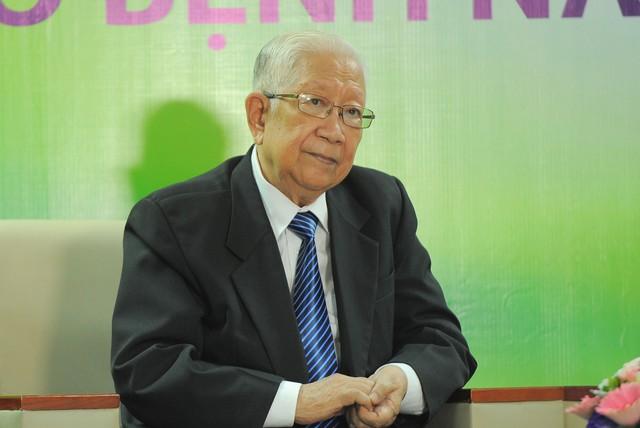 GS.TS Lê Đức Hinh – Chủ tịch Hội thần kinh học Việt Nam cho biết, người cao tuổi thường mắc đa bệnh lý. Ảnh chí Cường
