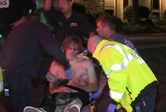 Một người bị thương trong vụ xả súng.