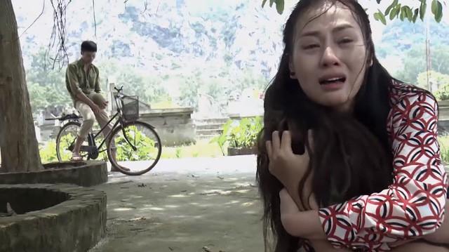 Cảnh Quỳnh khóc ngất khi gặp lại Lan trong tình cảnh Lan bị điên ở tập mới nhất của Quỳnh búp bê.