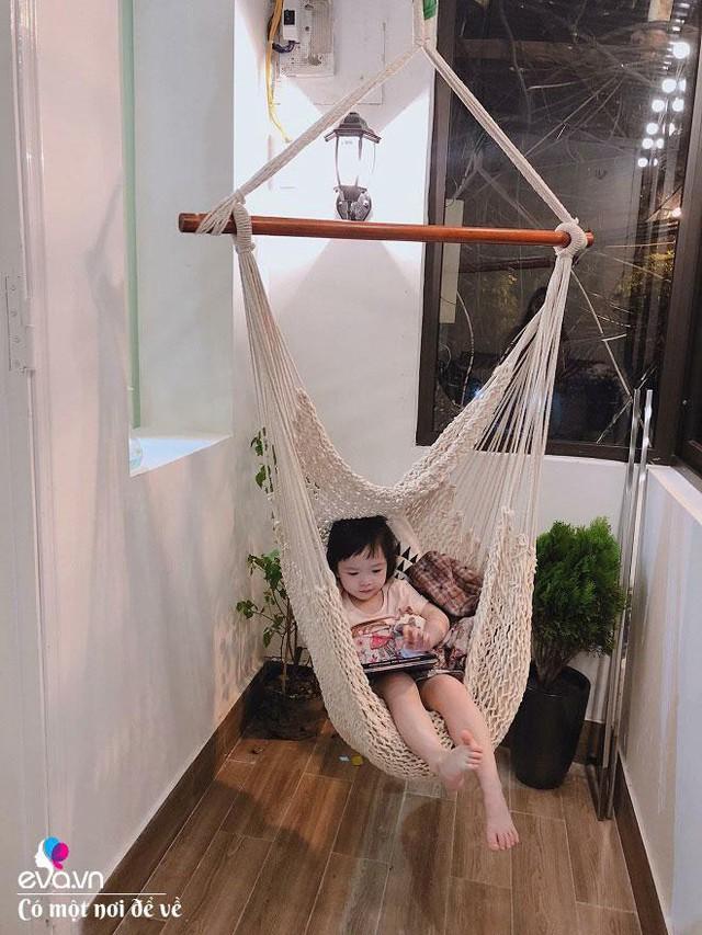 Con gái của chị Trang cũng rất thích không gian mới nhà mình.