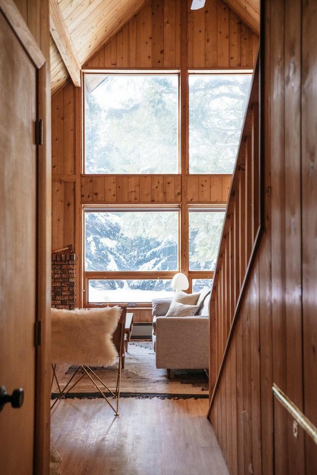 McClary và Leepson mua lại cabin thì đã có hệ thống cửa sổ bằng thủy tinh chiếu sáng cực lớn.