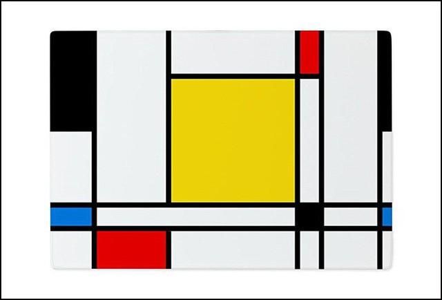 10. Chiếc thớt với những hình học biểu tượng và màu sắc của phong cách Piet Mondrian nổi tiếng có lẽ sẽ là bảng màu vô cùng tuyệt vời giống như những sắc màu tuyệt vời của thực phẩm vậy.