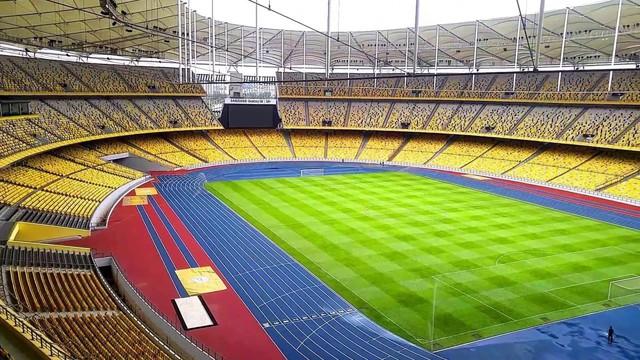 Bukit Jalil là sân vận động lớn nhất Đông Nam Á, lớn thứ hai châu Á sau sân Mồng Một tháng Năm của Triều Tiên và nằm trong danh sách 10 sân vận động lớn nhất hành tinh với sức chứa hơn cả sân vận động Old Trafford của MU, Santiago Bernabeu của Real Madrid và gấp đôi Mỹ Đình, Việt Nam. Ảnh: Getty Images.