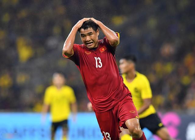 Đức Chinh thất vọng khi để lỡ bàn thắng đẹp
