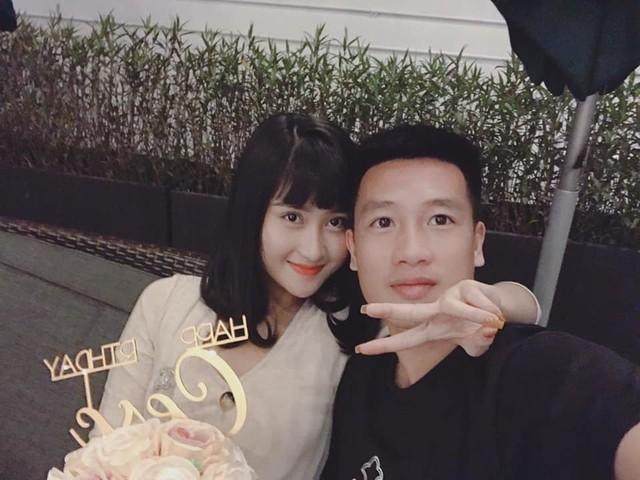 Huy Hùng và bạn gái xinh đẹp