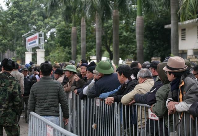 Theo đó, tất cả thương binh mỗi người đều có suất mua 2 vé tại khán đài C, D với mệnh giá 200.000 đồng/vé.