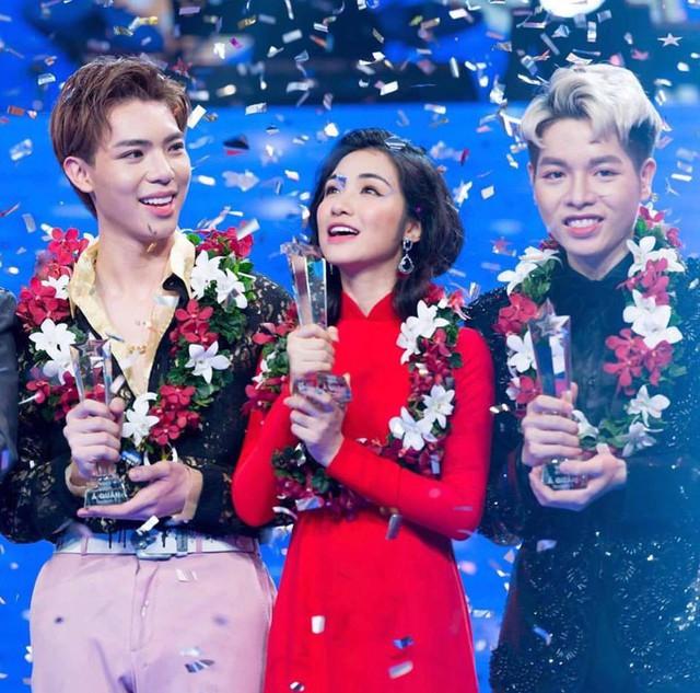Hòa Minzy gây ấn tượng mạnh khi thi Cặp đôi hoàn hảo 2017 cùng Đức Phúc và Erik