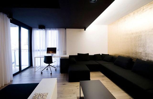 Sự cân bằng giữa các mảng đen – trắng mang đến vẻ đẹp vừa cổ điển vừa hiện đại của căn phòng.