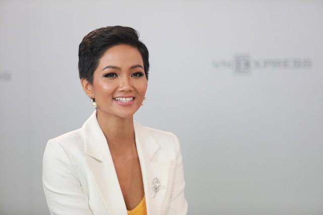 HHen Niê thừa nhận năm qua cô có rung động vì một chàng trai.