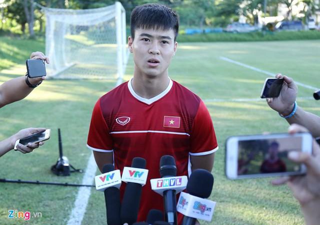 Đỗ Duy Mạnh tự tin trước trận gặp Philippines và tuyên bố sẽ cùng đội tuyển giành chiến thắng. Ảnh: Minh Chiến.