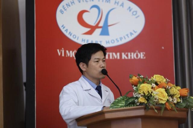 Tiến sĩ Nguyễn Sinh Hiền – Phó Giám đốc bệnh viện tim Hà Nội phát biểu tại chương trình